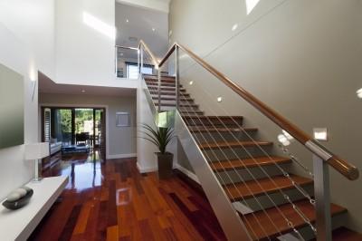 注文住宅で階段の位置の考え方